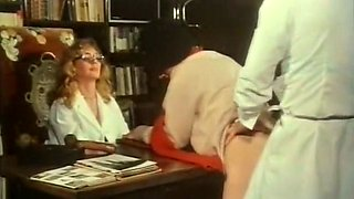 Cute and skinny patient blows dick of a doctor assistant