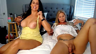 Gorgeous tranny's fun with brunette cougar cammed