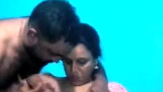 Hot desi Aunty boobshow n press