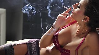 Estefania smoking