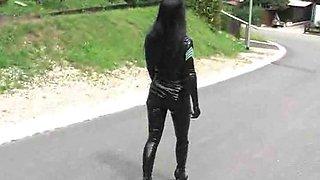 L.Anga uniform latex