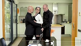 Ginebra Bellucci aka Ginebra Belluci - Horny Maid Eager To Impress