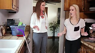 squirter cleaning lady and the hot house owner