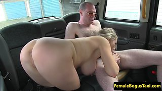 busty milf cabbie deepthroating clients dick