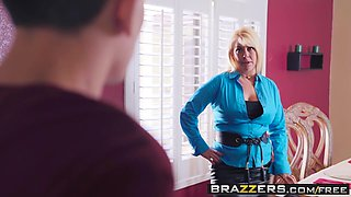 Brazzers - Teens Like It Big -  Doing The Dishes scene starr