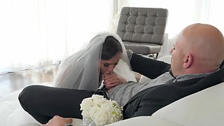 Big ass bride to be fucked with the best man