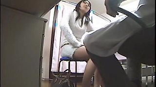 Kinky doc fucking sexy babe on the hidden in clinic room cam
