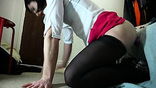 Hot crossdresser in pantyhose puts on a show on the webcam