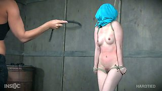 Sex-hungry seductress London River gets her muff punished in the basement