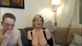 Mature woman fucked on the couch