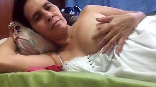 mature filipina mom touching her boobs and pussy on skype for me