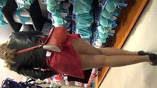 nylon street legs and hot upskirt !