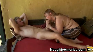 levi cash enjoys playing with massive melons of mature slut samantha 38g