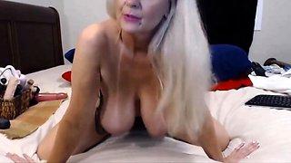 Talkative granny Tammy with bouncing big tits