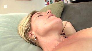 Maternal Seduction 687