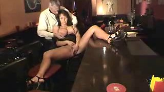 Hubby leaves drunk wife alone in a bar