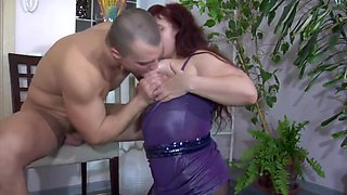 Virgin Bodybuilder Wishes To Fuck Chubby Milf With Huge Ass