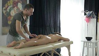 Massage X - Massage and orgasmic eruption