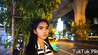 Thai bimbo with a pretty face is truly perfect in oral games