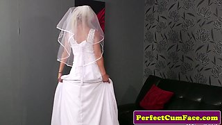 Bigtitted british bride blows cock til facial