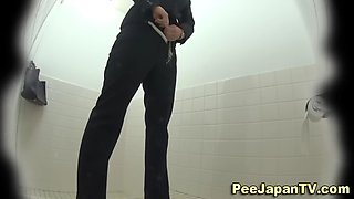 Toilet pee cam catches Asian babes as they piss