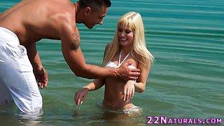 Bikini cutie jizz mouthed