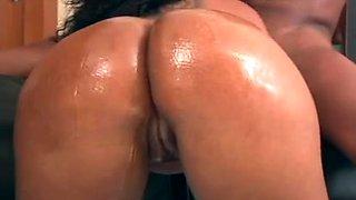 Brazilian babe gets a hardcore DP treatment