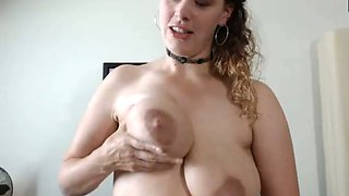 This sexy webcam whore squirts generous portions of milk for u to enjoy