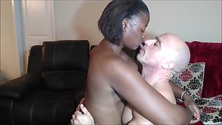 Kissing Naeja3