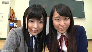 schoolgirls upskirt tease