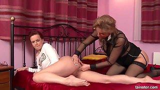 Carol Goldnerova in PissingInAction - Carol Gold And Leila Smith