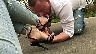 lick heels outside