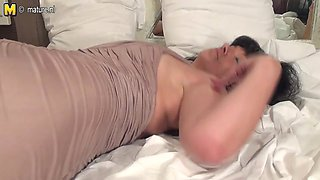 Non-Professional old mother getting willing with her sex tool