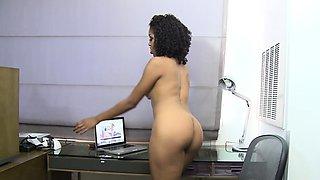 Meet busty brunette Reena Sky