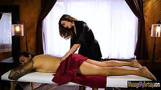 Curvy masseuse Kat Moore gives massage and pounded in bed