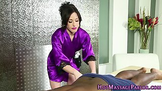 Masseuse gets jizz soaked