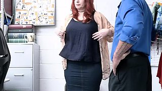 Redhead MILF thief stole a pearl necklace