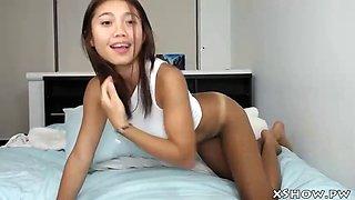 wet thai babe orgasming on live webcam