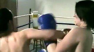 LL-195 Sisters boxing