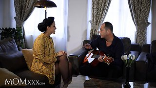 MOMxxx Guitar tutor gives housewife Jennifer Mendez