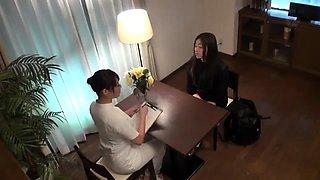 Asian massage beautie sensual massage to client