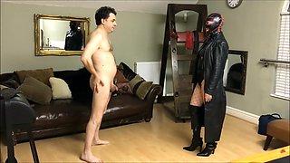 Ballbusting: Mistress Natasha Poole destroys the testicles of Andrea Dipregrave;