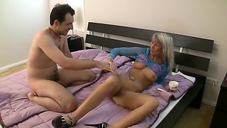 Mature German lady gets fisted