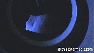 Im Sexshop heimlich gefilmt geile Blondine
