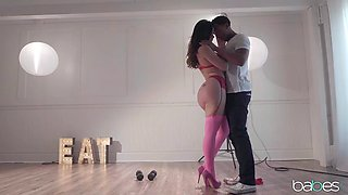 heat packing interracial scene with a busty brunette