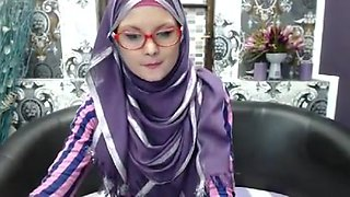 Super skinny college girl in hijab