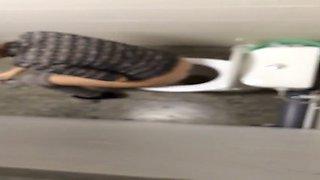 risky toilet voyeur video 1
