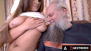 21 SEXTREME - Big Booty Olivia Nice Dazzles Horny Old Man With Her Perfect Titties