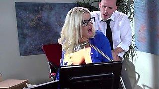 Curvy American teacher Julie Cash gets screwed by her colleague