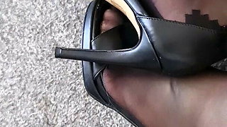 Black heels feet crossdresser